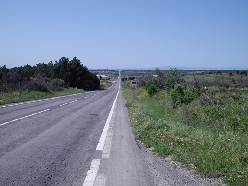 landstrasse spanien vespa motorroller